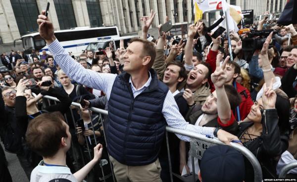 Почему либеральная оппозиция забирает молодежь