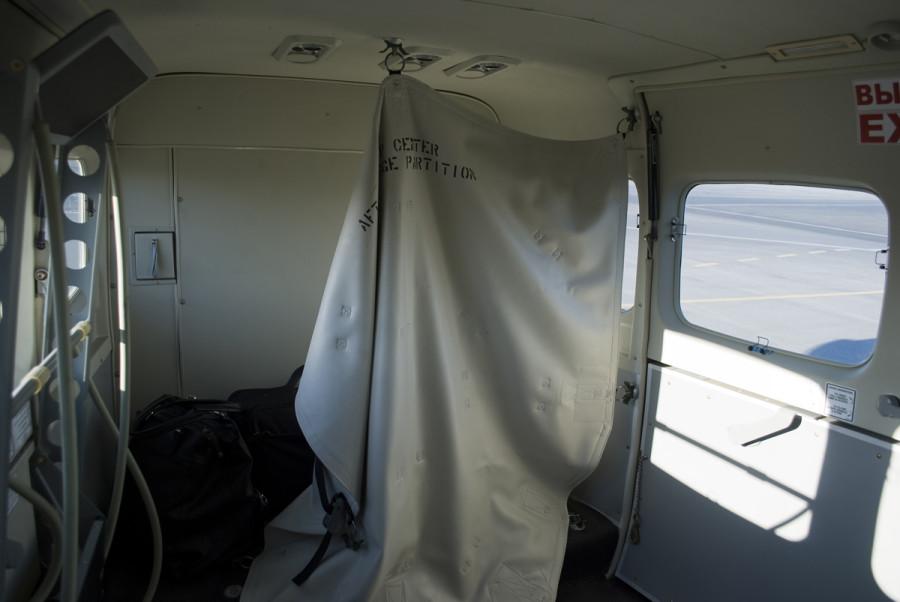 UNNT 06_09_13 caravan bag door