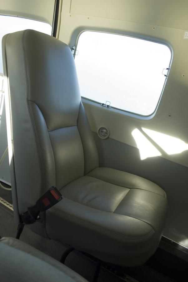 UNNT 06_09_13 caravan armchair