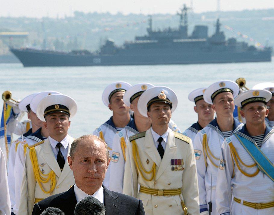 Putin_2013_07_28_Sevastopol_Day_VMF_03_Kommersant_Dmitriy_Azarov