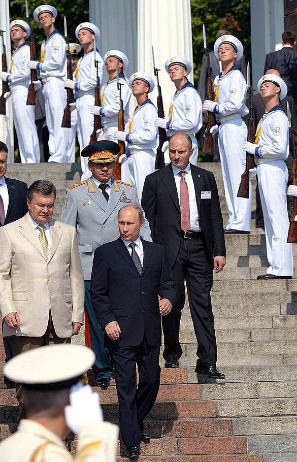 Putin_2013_07_28_Sevastopol_Day_VMF_01_Kommersant_Dmitriy_Azarov