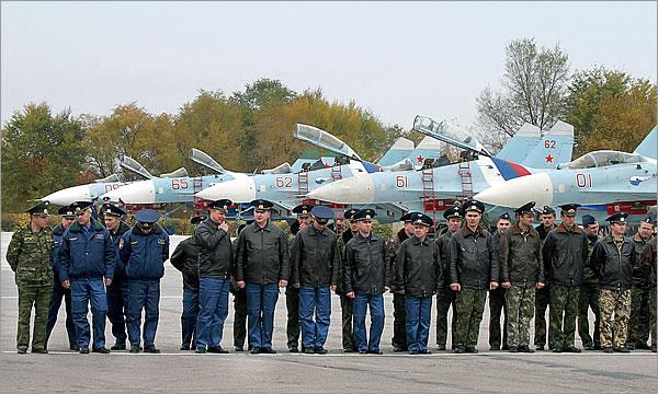 RF_military_Kant_base_2008_pilots_ITAR-TASS