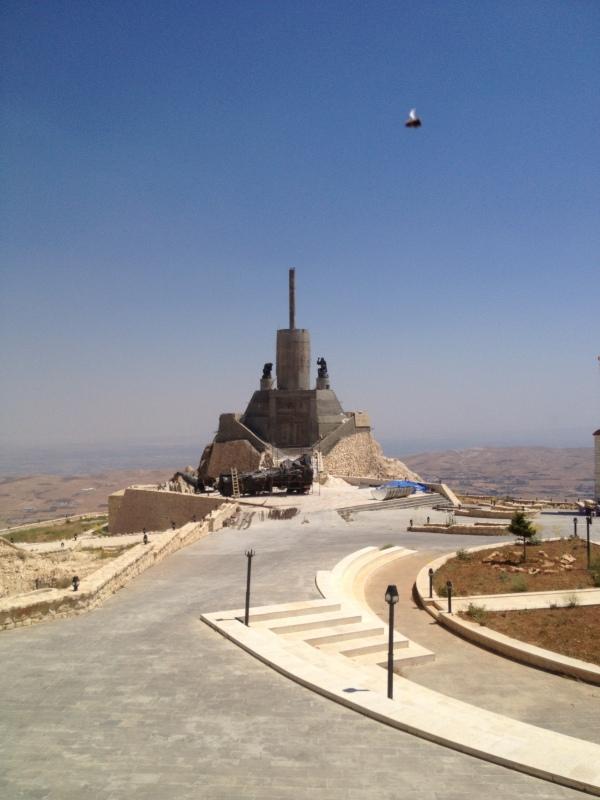 Cherubim_Convent_monastery_2013_10_14_Deir_Ash Sherubim_2_shell_over_monument_www_mpda_ru