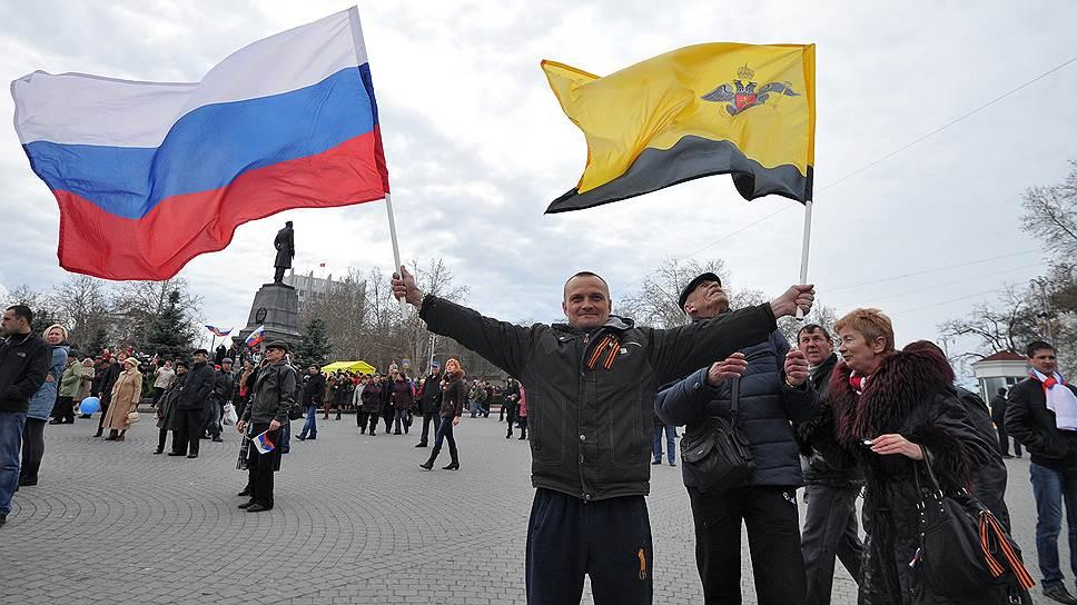 Euromaidan_2014_03_16_Crimea_referendum_Sevastopol_Kommersant_Pyotr_Kassin