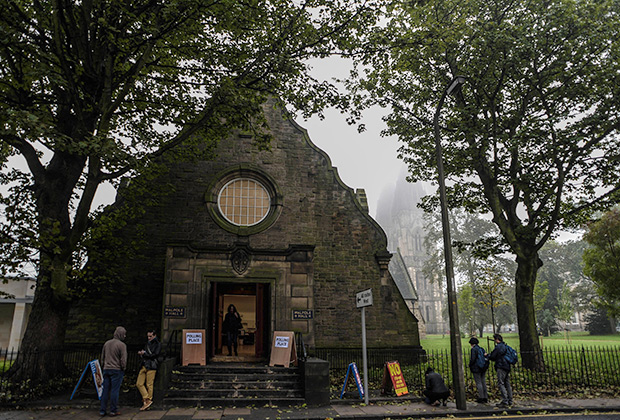 Scotland_Referendum_2014_09_18_polling_place_02_Edinburgh_RIA_Novosti_Alexey_Filippov
