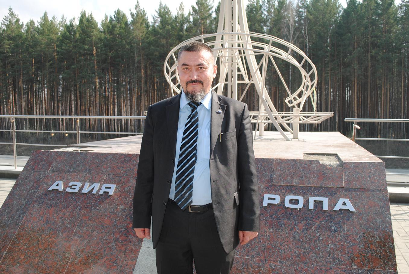 Ekaterinburg_Eltsin_readings_2012_04_25_28_Asia-Europe_Sobianin_Alexander_sm