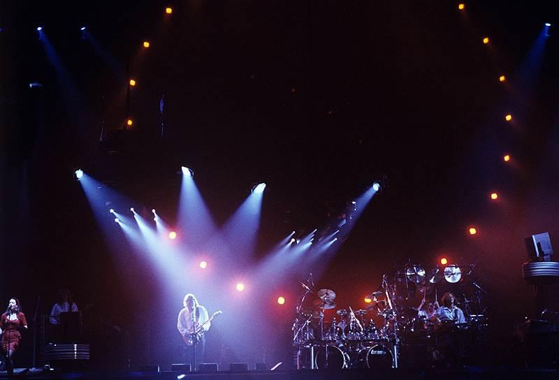 Pink_Floyd_1989_06_03_1st_concert_in_USSR_Novosti