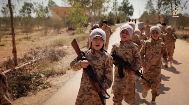 Islam_Syria_ISIS_DailyMail_2014_11_22_child_soldiers_from_Kazakhstan_01