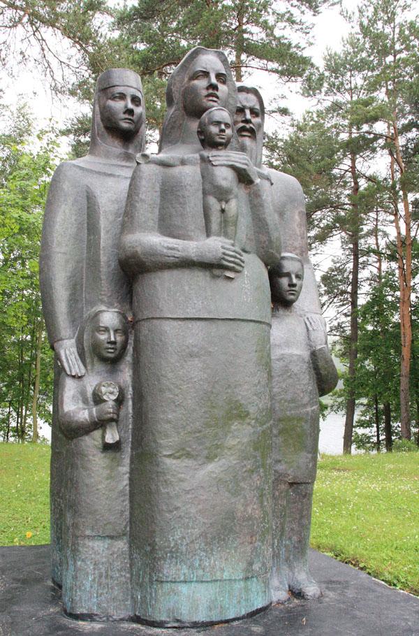 lake_Sho_center_of_Europe_2012_06_23_LJ_stanislav-05_5_Ives_derevnya