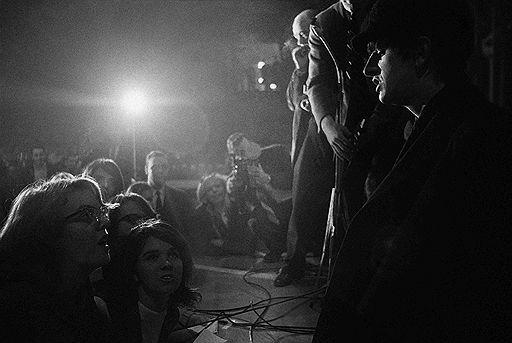 Редкие фотографии группы The Beatles выставлены на торги в Великобритании