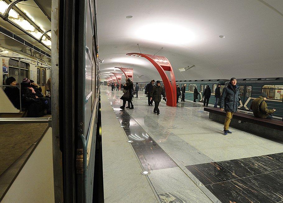 metro_Alma-Atinskaya_2012_12_24_opened_04_Kommersant_Yuri_Martyanov