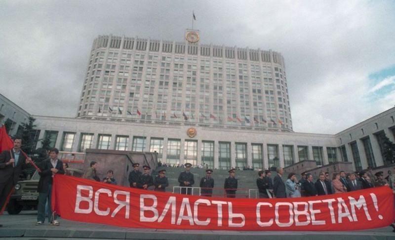 rasstrel-parlamenta-1993-6-vsya-vlast-sovetam-948x577