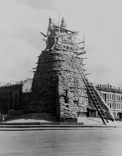 насчет сноса памятников