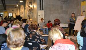 Юля Зима рассказывает о рисовании цветов У-син