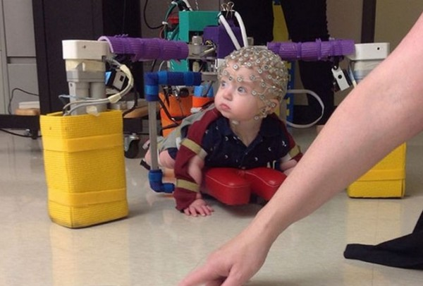 Экзоскелет-ползунок для детей с ДЦП