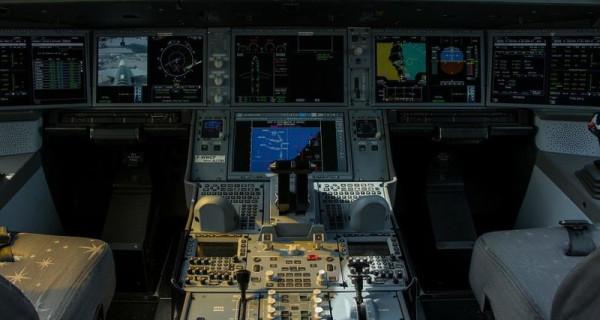 Для панели управления самолётом сделали чехол