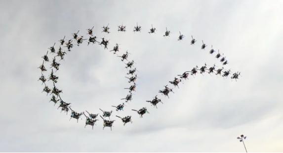 Алгоритм научился мастерски управлять дронами: высший пилотаж