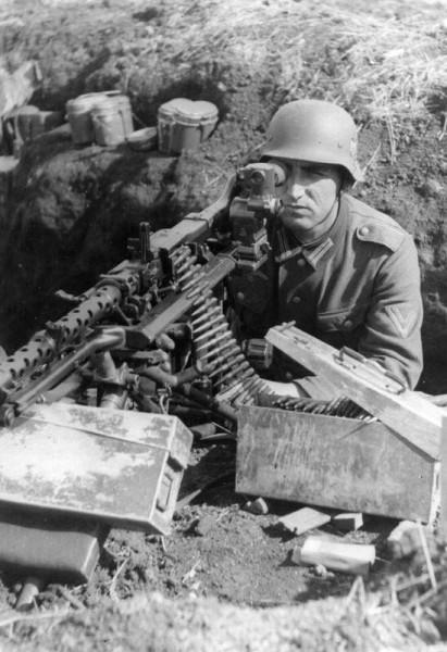 Для чего на пулемете MG-34 два спусковых крючка