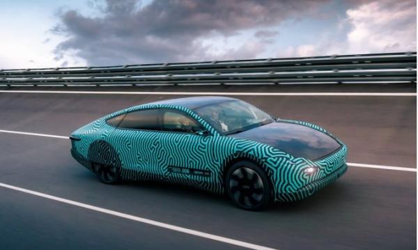 Прототип автомобиля на солнечных батареях Lightyear проехал около 710 км на одной зарядке…