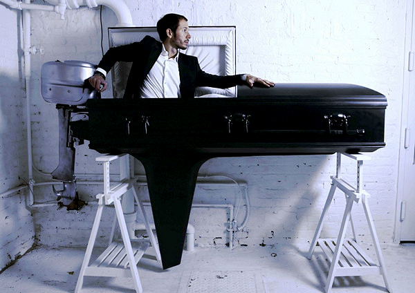 Boat_Coffin_01