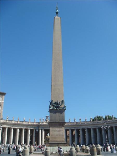 egipetskii-obelisk