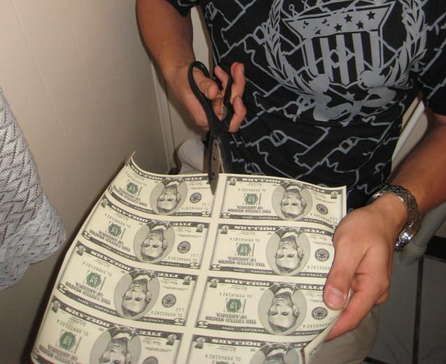 Деньги своими руками фотки