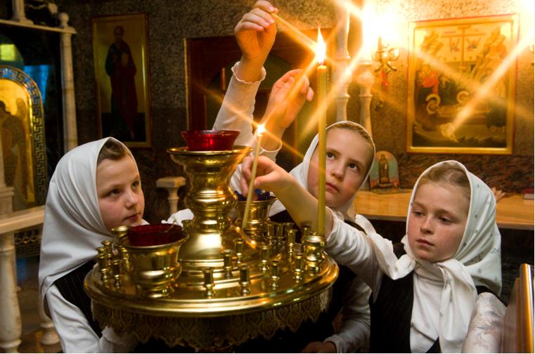 Рождество обращает людей к истокам христианской веры заявил Медведев