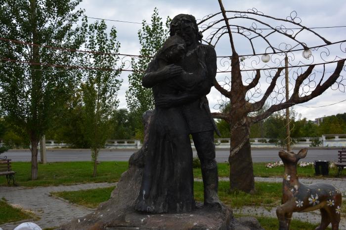 Кыз-Жибек и Толеген