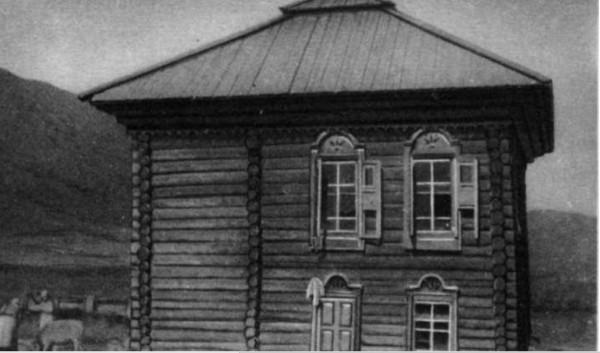 двойная крыша с колпаком дер.Белая