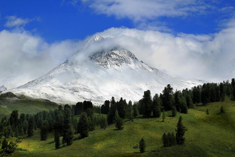 гора Урусвати (3543 м.)