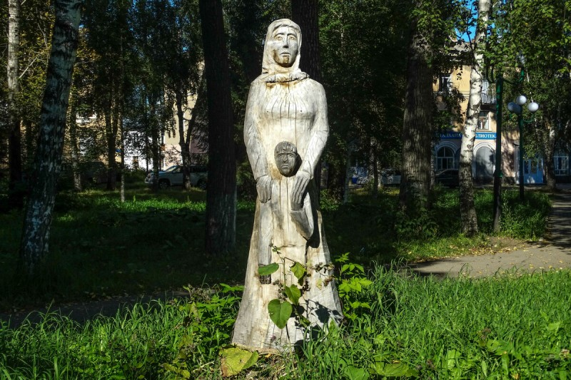 скульптура в парке Зыряновска