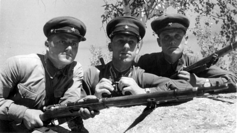 Август 1940. Катон-Карагайский район Восточный Казахстан. Пограничный наряд