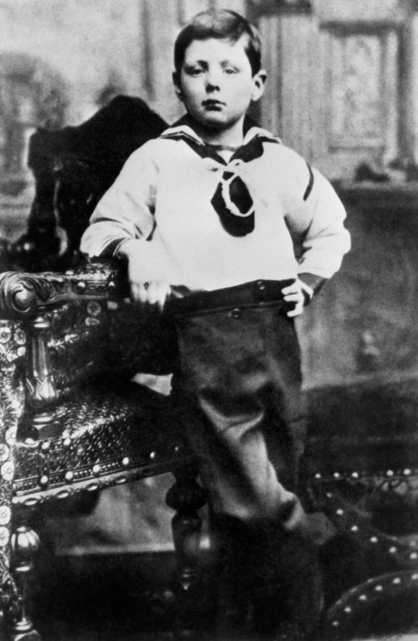 1881. Черчилль в костюмчике моряка в семилетнем возрасте