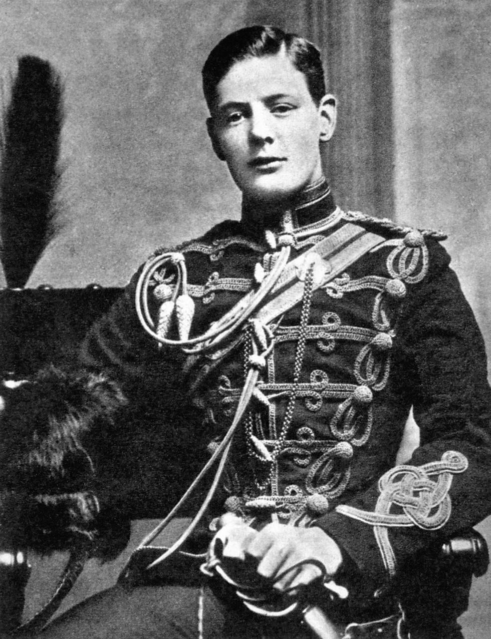 1895. Уинстон Черчилль как корнет 4-го её королевского величества гусарского полка