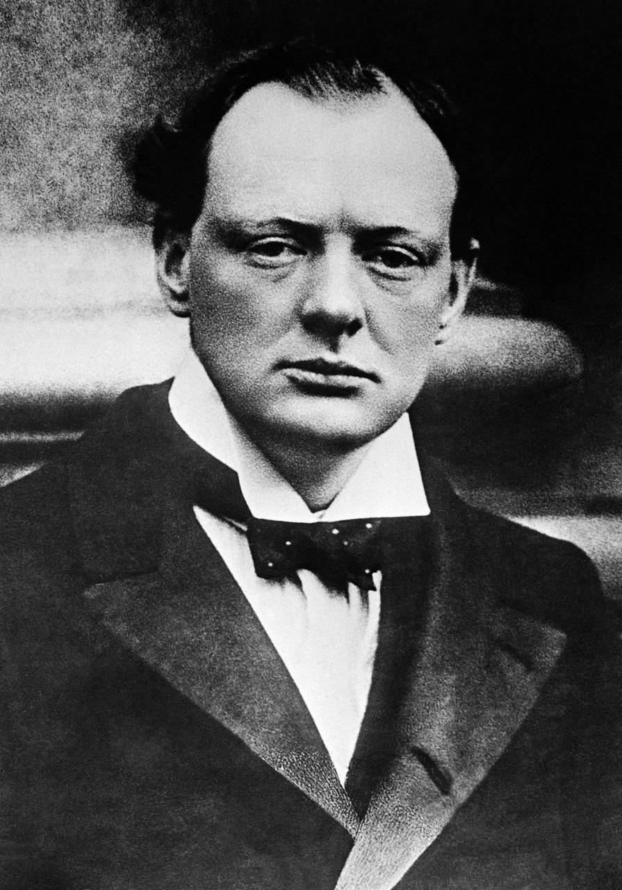 1915. Черчилль в конце своего пребывания на посту первого лорда Адмиралтейства