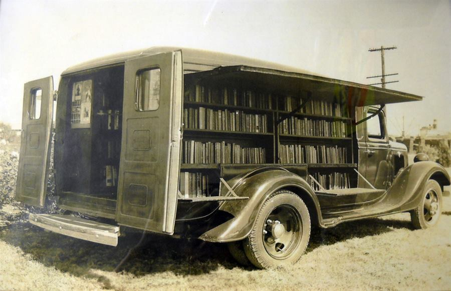 To the Bookmobile! The Library on Wheels of Yesteryear, 1930s