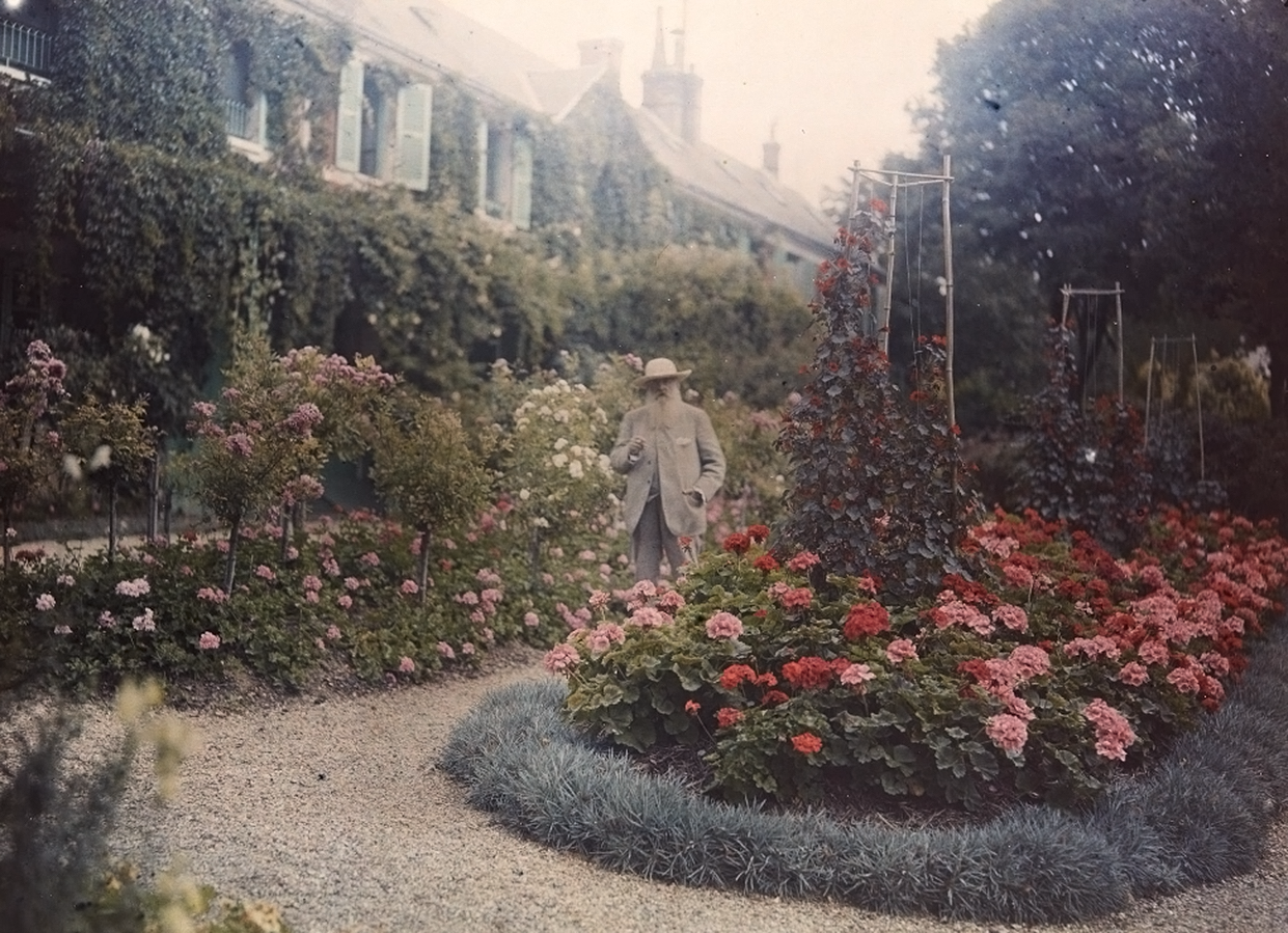 Monet at Giverny, 1920. Etienne Clementel. Autochrome