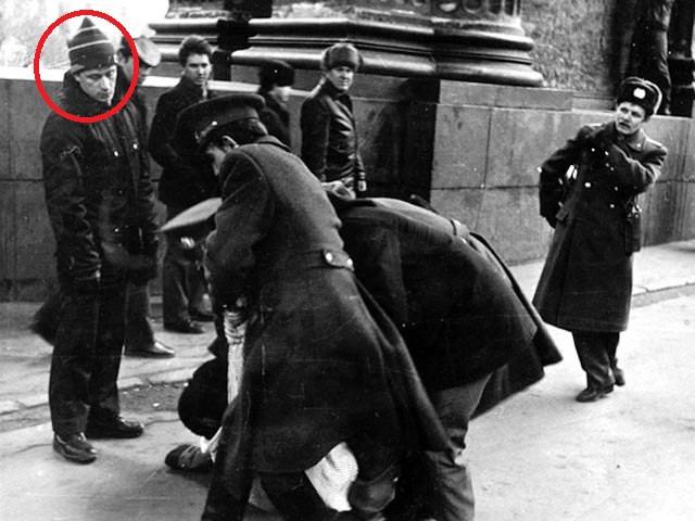 Задержания-у-Казанского-собора-12-марта-1989-в-котором-принимал-участие-Владимир-Путин