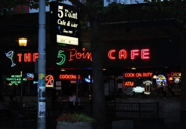 5 Point Cafe