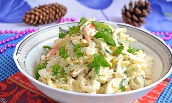 Рецепт салата с кальмарами и сыром