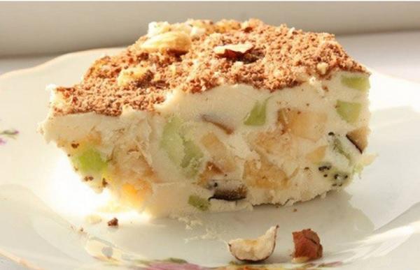 Творожное мороженое с фруктами - вкусный и полезный десерт