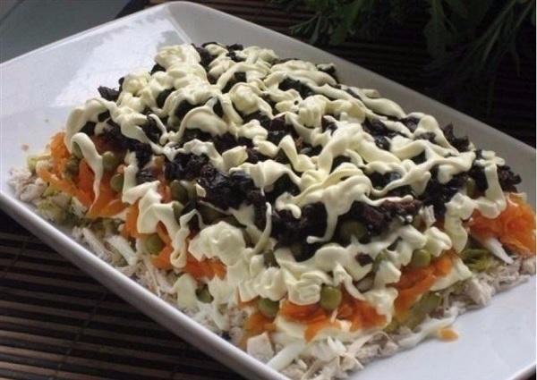 Рецепт этого салата будут выпрашивать все гости.Очень вкусный