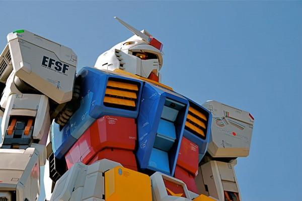 fullscale-gundam-model-in-tokyo-5-600x401