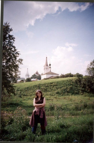 На фоне церквей