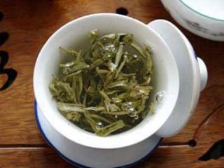 чашка зеленого ча