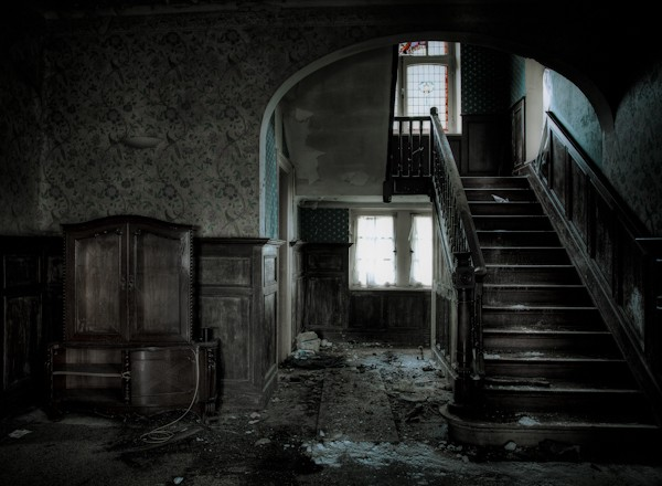 Interior_____Abandoned_old_house_086808_-3