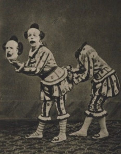 b84ac621294cf39112ac0bb8afa2253b--creepy-circus-creepy-clown