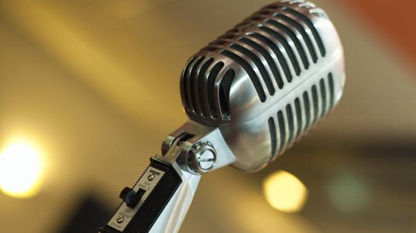 mikrofon-1920-1080