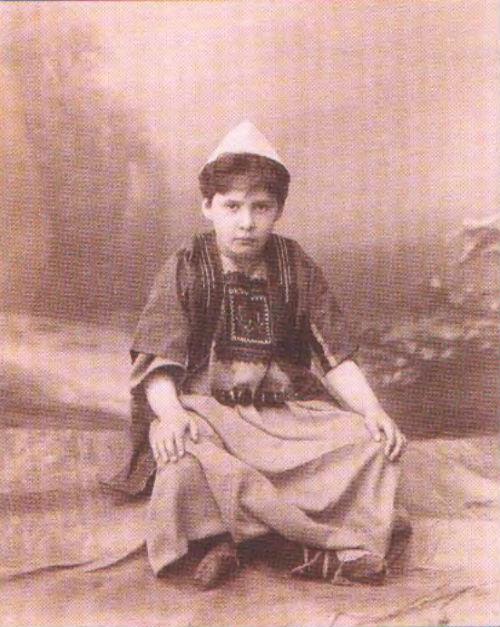 7-Вера Мамонтова в костюме Иосифа - 1880.jpg