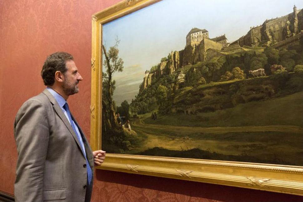 6-Бернардо Беллотто - «Крепость Кёнигштайн с севера» на стене в зале музея.jpg